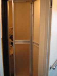 浴室ドア交換リフォーム後