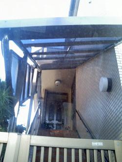 階段屋根2