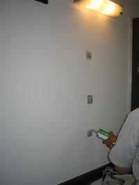 Tビル洗面鏡設置前2