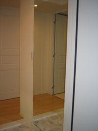 KR様邸玄関ルームミラー鏡設置後