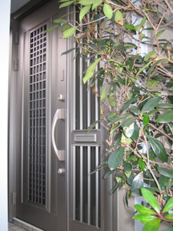 SG様邸玄関ドアカバー工法リフォーム後1