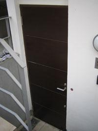 ZZ様邸玄関ドアカバー工法リフォーム前1