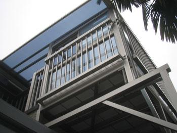 MG様邸バルコニー囲いサンルーム工事施工後1