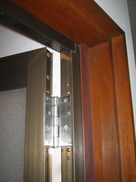 Mm様邸浴室ドア枠の様子