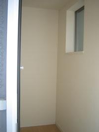 WN様邸玄関ルームミラー鏡設置前
