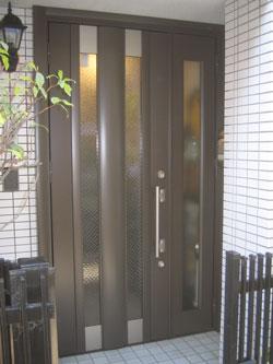 WN様邸玄関ドアカバー工法リフォーム施工後1