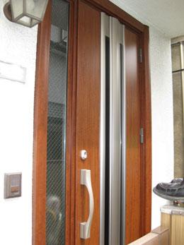 Kt様邸玄関ドアカバー工法リフォーム後1
