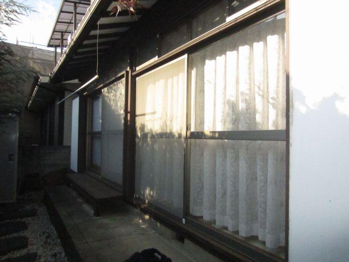世田谷区T邸台風対策電動窓シャッター施工前